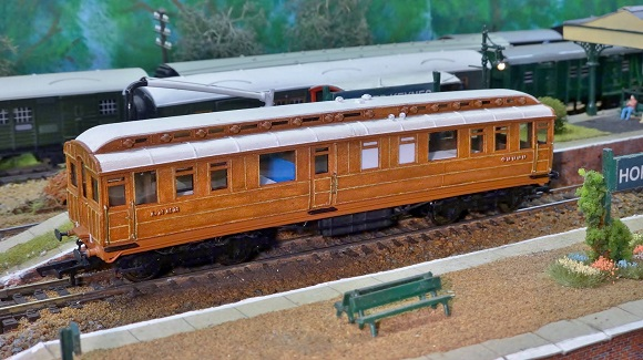 Man in England creates 3D printed models of Railways