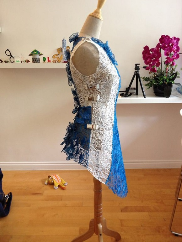 Stunning 3D printed seashel lace dress made using 3Doodler