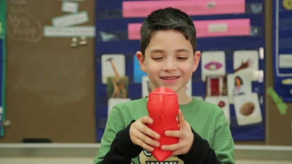 A smart toy dinosaur 3D printed by CogniToys can teach and entertain your children