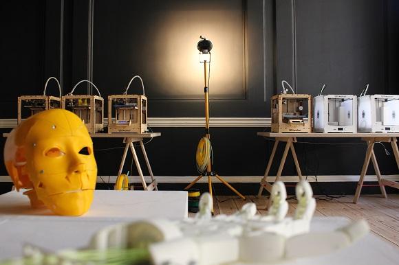 Wevolver workshop brings 3D printed InMoov robots to hospitalized children