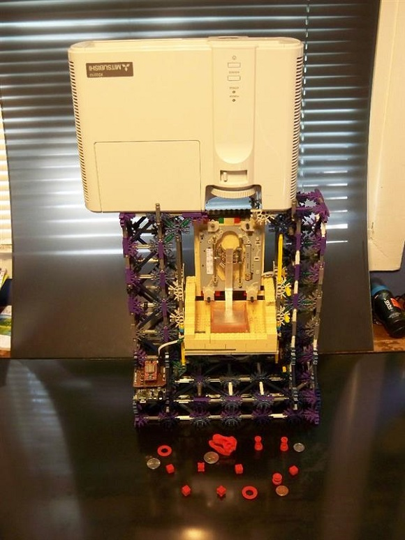An incredible $60 Chimera DLP SLA 3D printer developed by a student with K'nex and LEGO