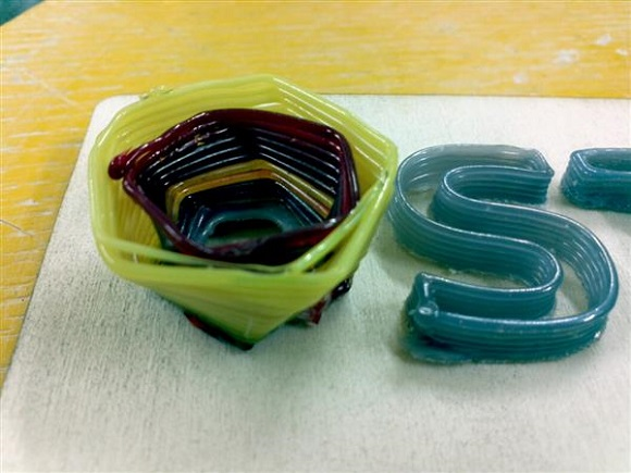 A new achievement in 3D printing glass materials presented by Micron3DP
