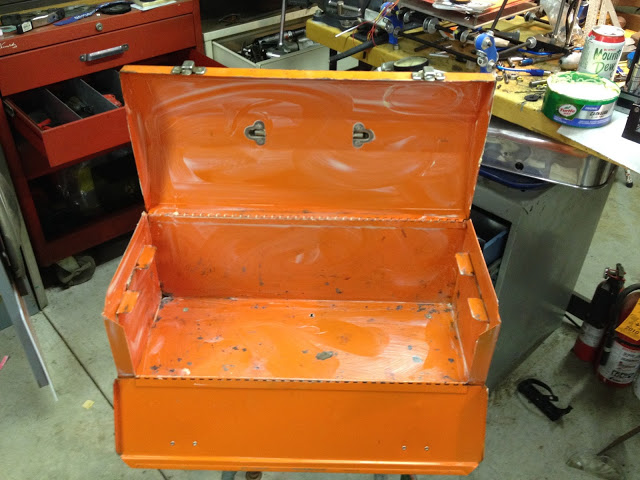 Vintage toolbox transformed into working 3D printer