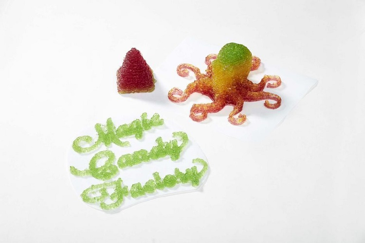 Innovative Wine Gum 3D Printer – Candy Factory in a Berlin Café