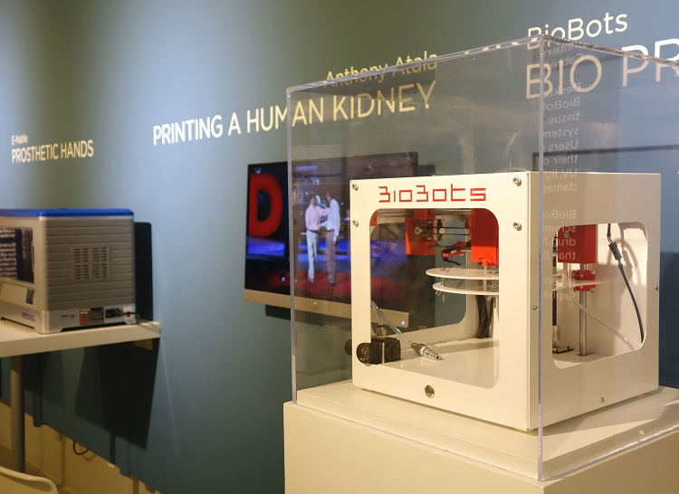 Museum of Design Atlanta (MODA) introduces Designers, Makers, Users: 3D printing in the future