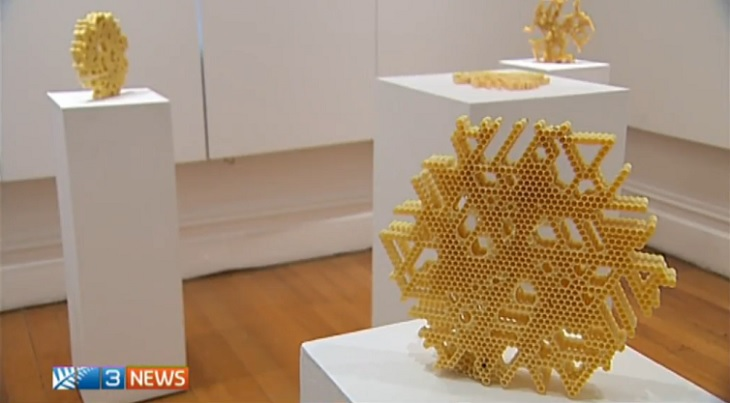 Helping Bees with a 3D Printed Honeycomb