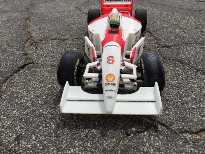 3D Printed Car as a Tribute to Ayrton Senna