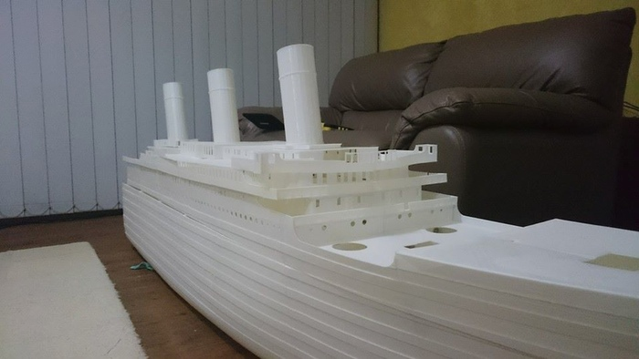 3D Printed Components make a Large-Scale Titanic Model