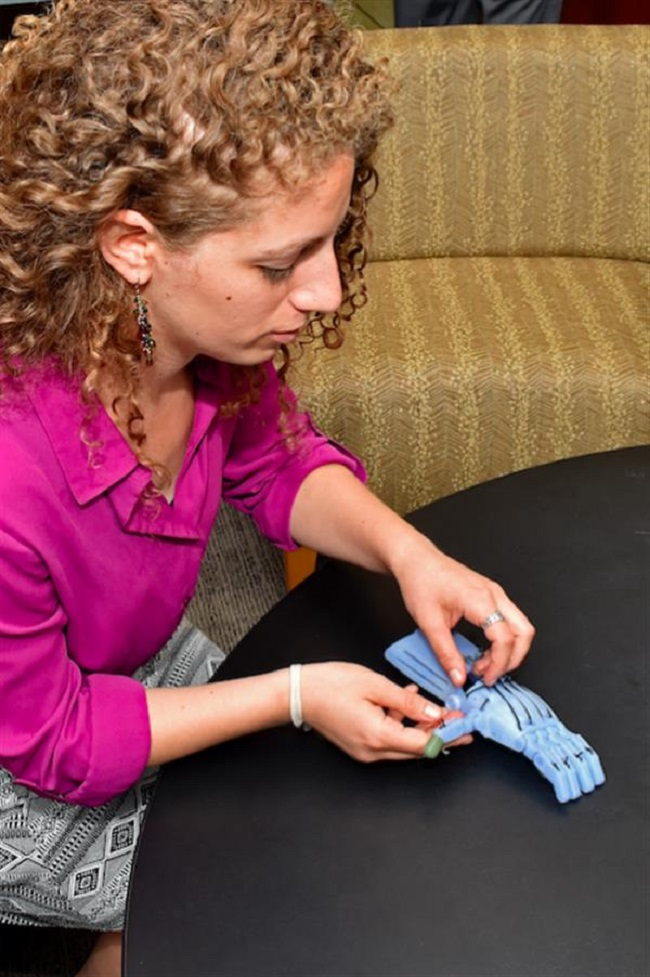 3D Printed Hands with Temperature and Pressure Feedback – A Product of MIT Research